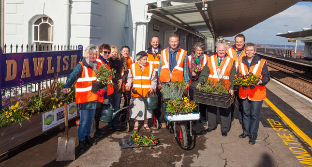 Friends of Dawlish Station with gardener Toby Buckland